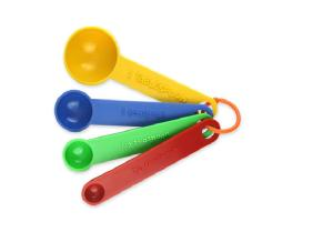 USING-MEASURING-SPOONS